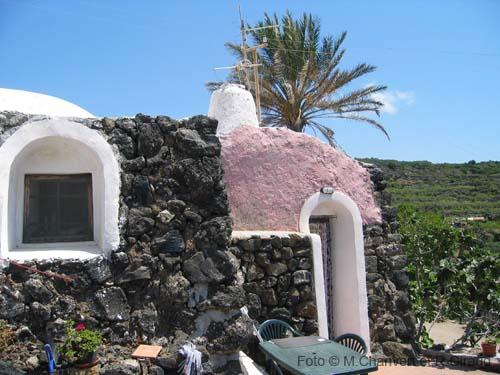 Case Di Pietra Pantelleria : Pantelleria sicilia guida sull isola di pantelleria per vacanze